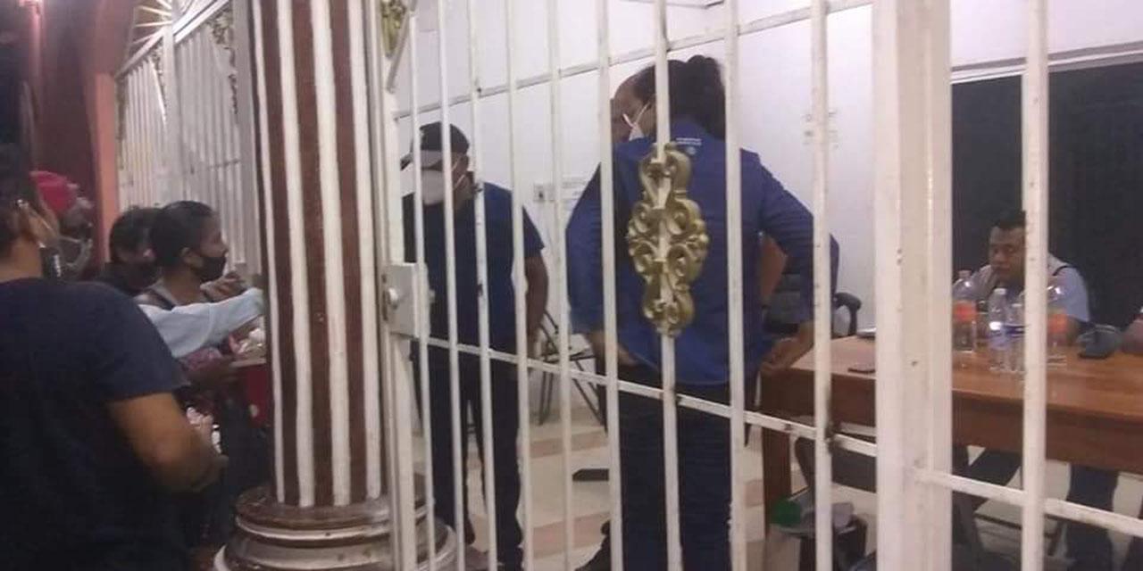 Destituyen a funcionarios de San Pedro Huamelula