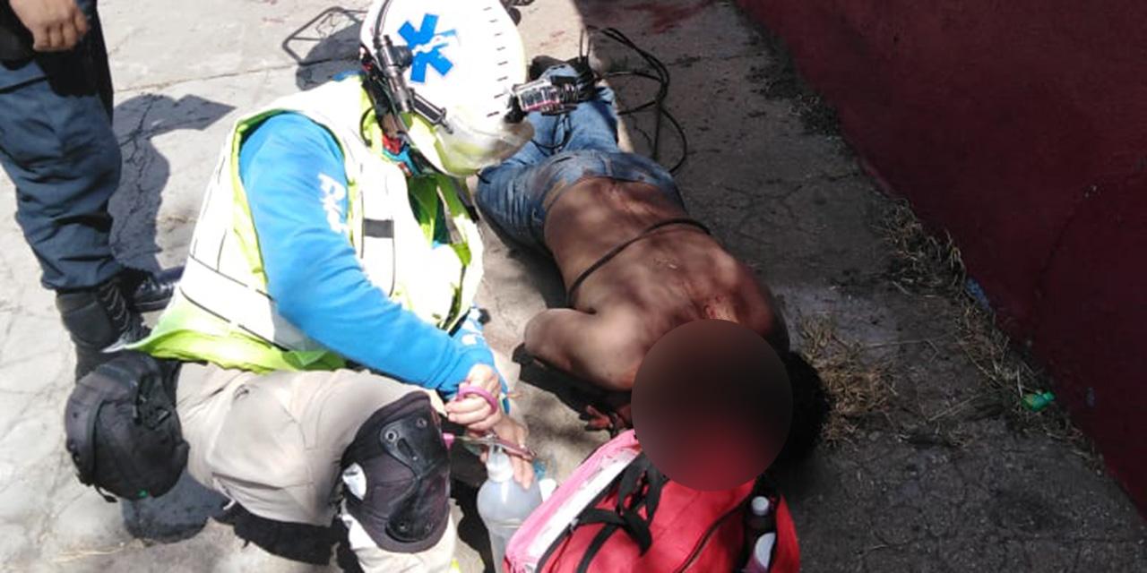 Someten y detienen a drogadicto en Oaxaca por destrozos