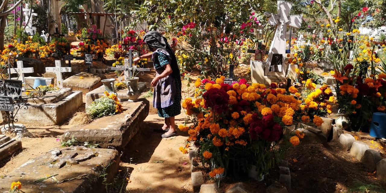 Viven Día de Muertos en Atzompa | El Imparcial de Oaxaca