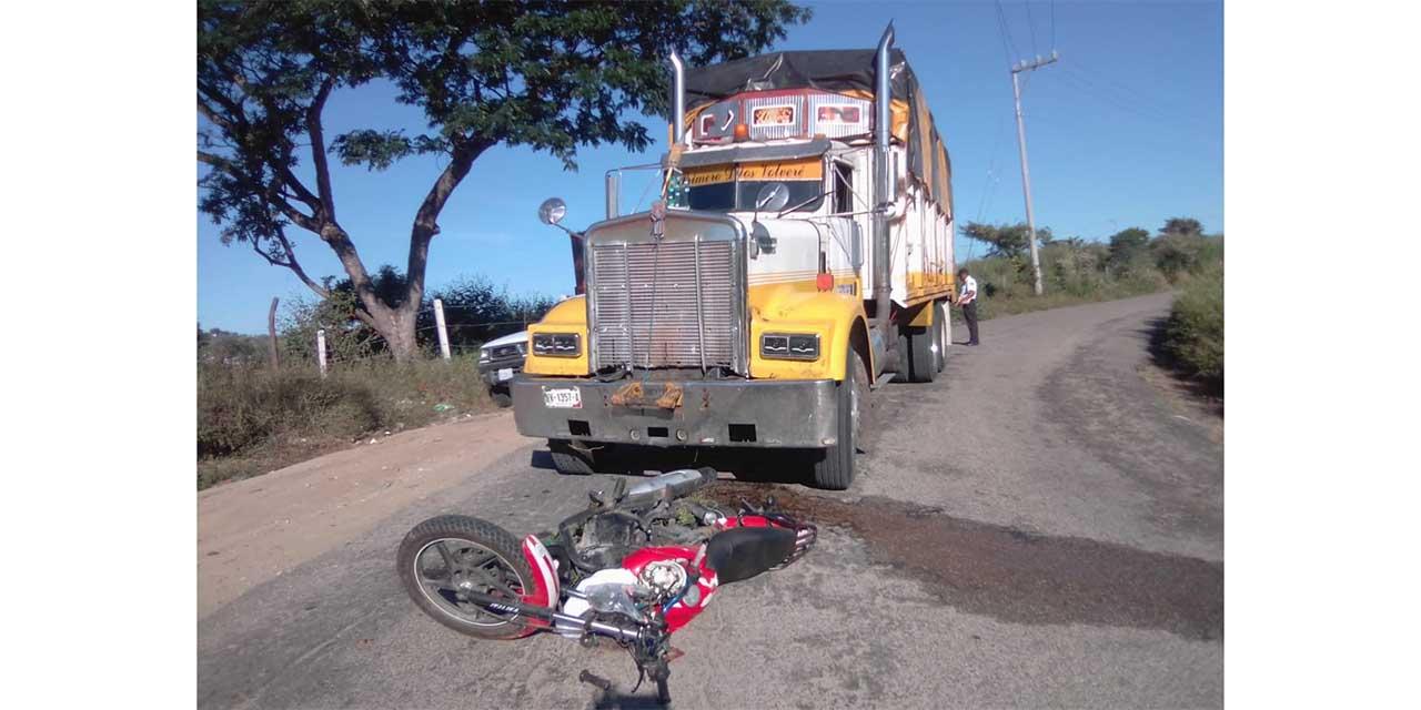 Torton arrolla a un motociclista en Pinotepa Nacional | El Imparcial de Oaxaca