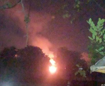 Incendio provoca estallido en San Antonio de la Cal