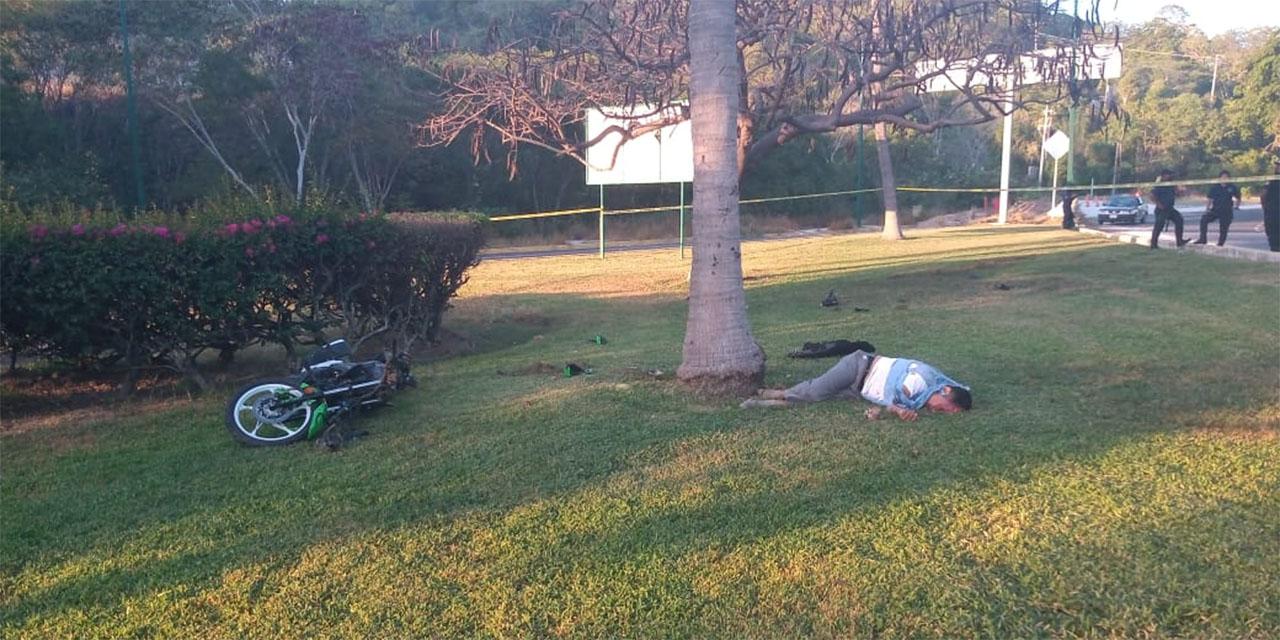 Motociclista muere al chocar contra palmera en Huatulco | El Imparcial de Oaxaca