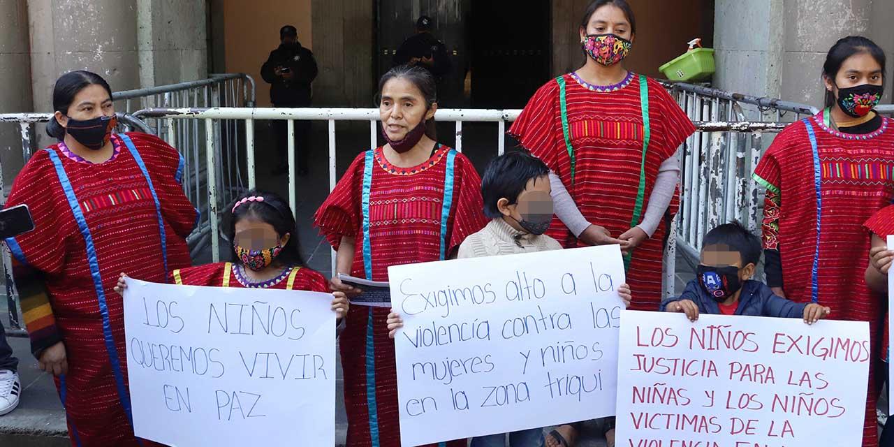 Indígenas triquis piden un alto a la violencia   El Imparcial de Oaxaca