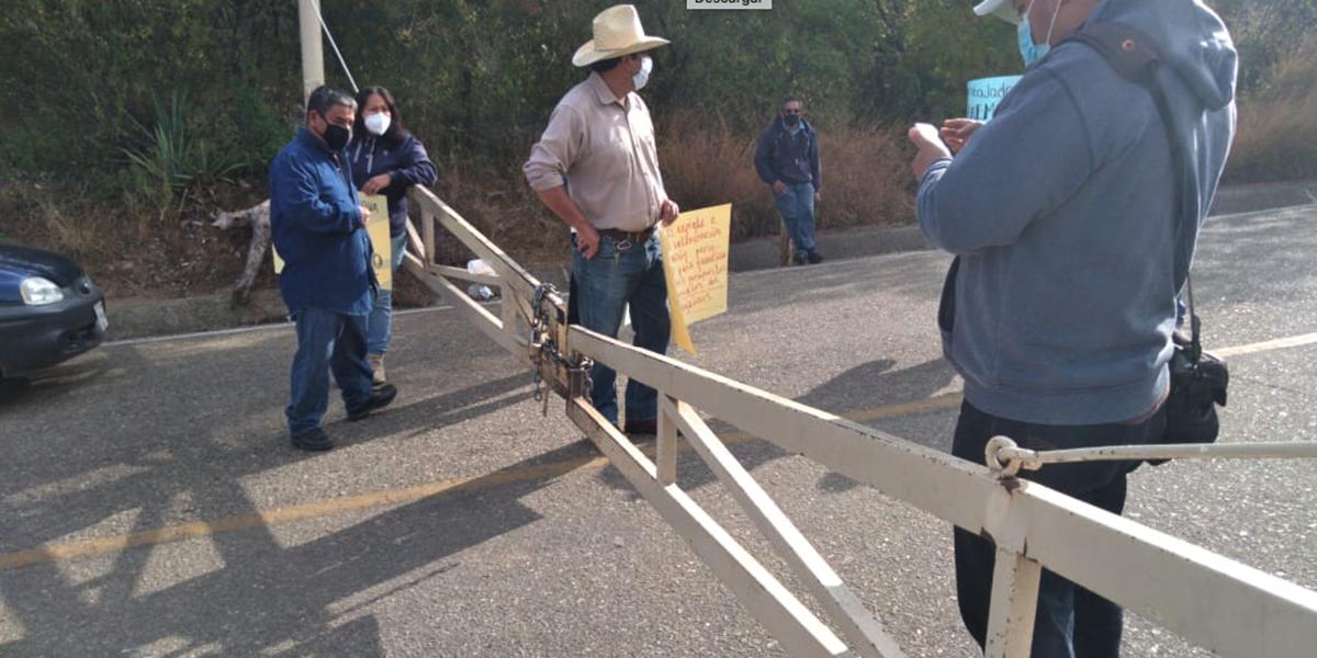 Protestan trabajadores del INAH en Monte Albán   El Imparcial de Oaxaca