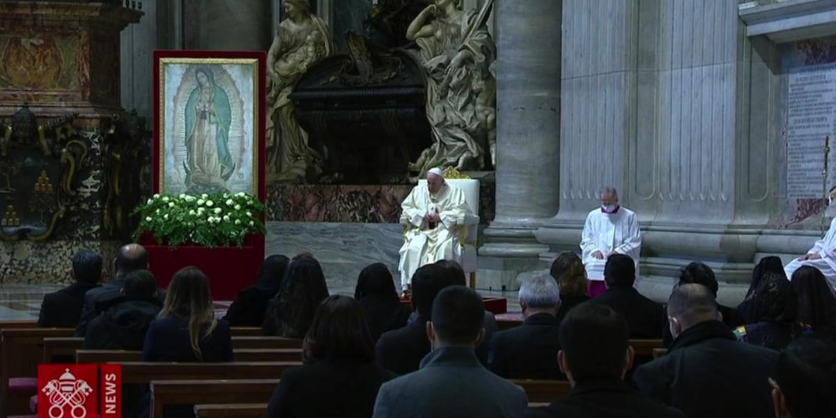 Con cierre de santuarios, el papa Francisco celebra a la Guadalupana