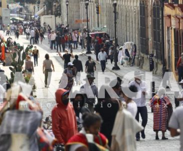 Con 14 hospitales saturados y aumento de contagios, la capital de Oaxaca registra alta movilidad