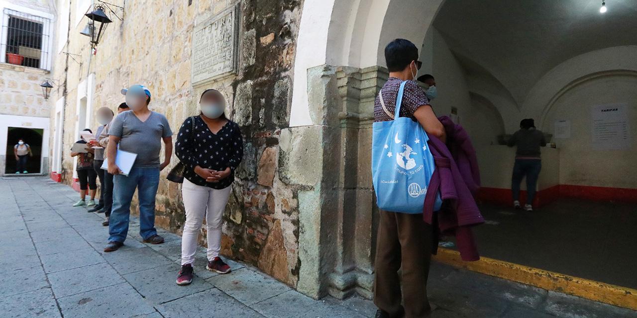 Largas filas para trámites en Registro Civil de Oaxaca | El Imparcial de Oaxaca