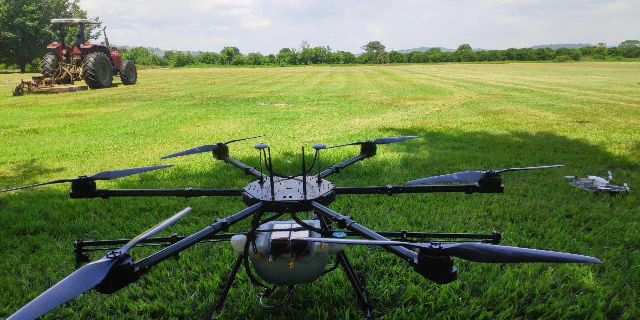 Joven oaxaqueño crea drones para fumigar campos de cultivo | El Imparcial de Oaxaca