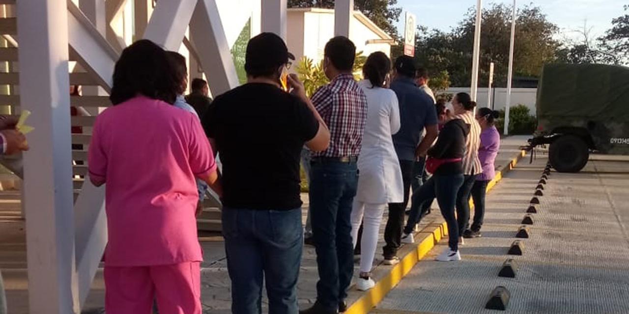 Denuncian irregularidades tras aplicación de vacuna en Hospital General de Juchitán | El Imparcial de Oaxaca