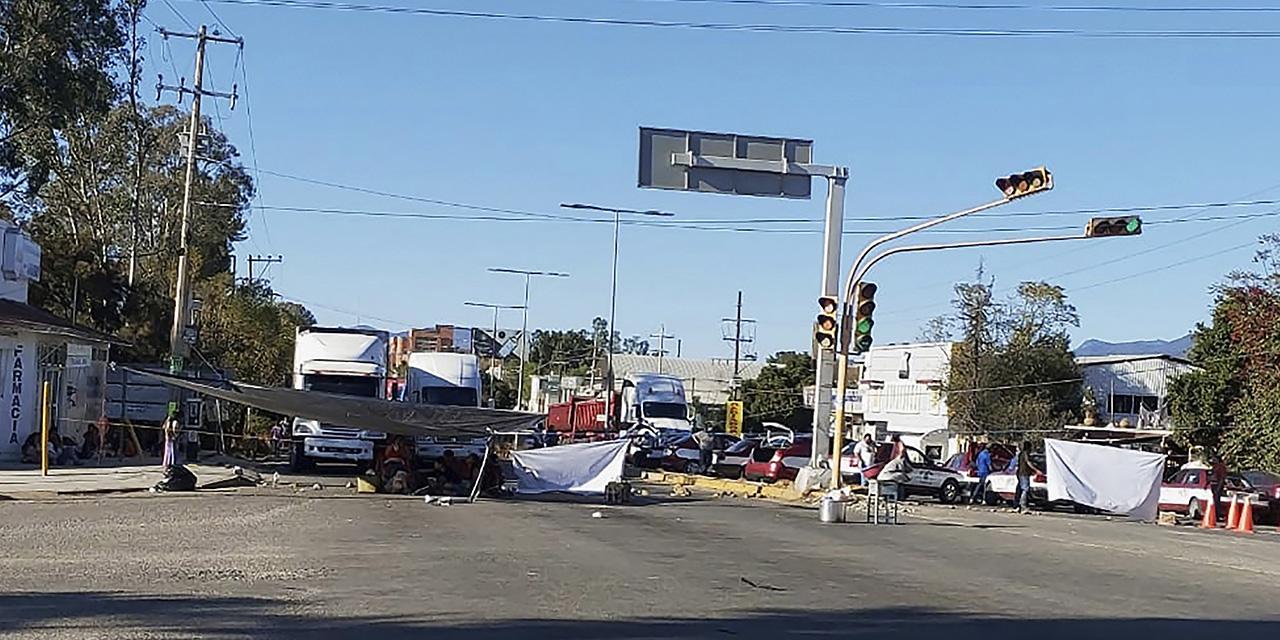 Vuelve a bloquear MULTI la 190 | El Imparcial de Oaxaca