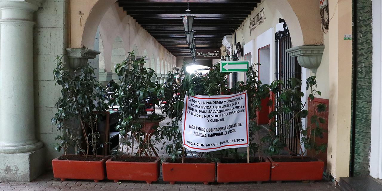 Cierre en pasillos de los portales de Oaxaca genera molestia | El Imparcial de Oaxaca