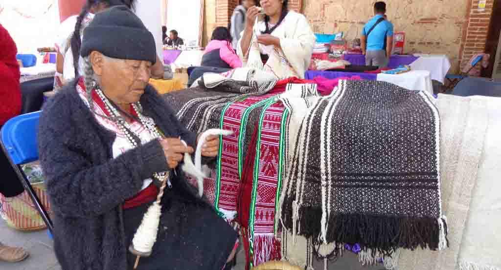 Artesanos de Tlaxiaco,  denegados por espacios | El Imparcial de Oaxaca