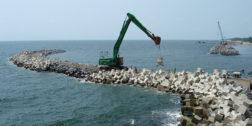 Denuncian tráfico de influencias en construcción del rompeolas en Salina Cruz
