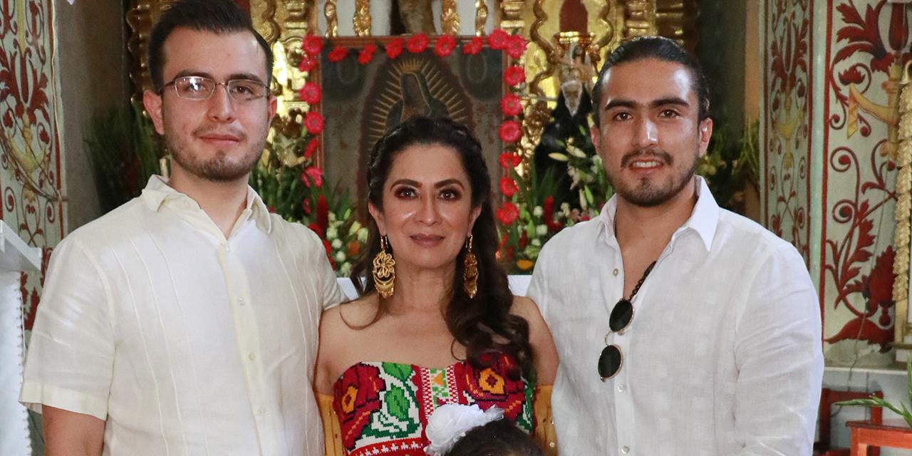 Miranda Guadalupe recibió su primer sacramento