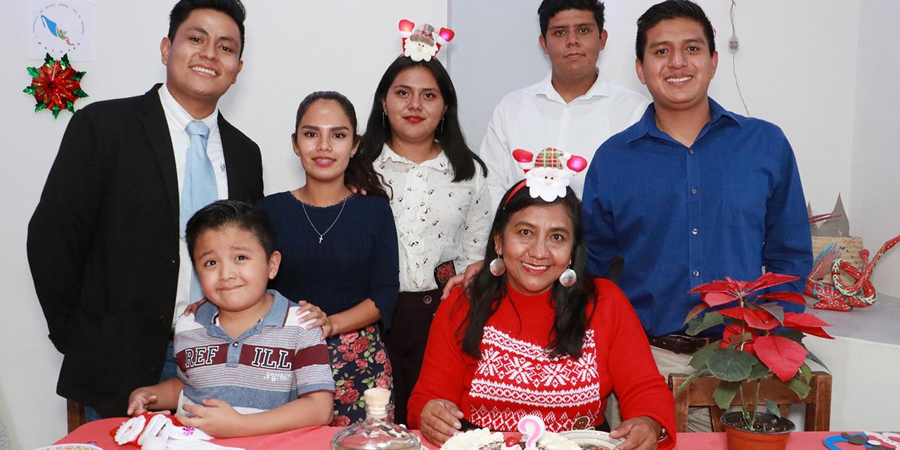 Felicitaciones para Maribel | El Imparcial de Oaxaca