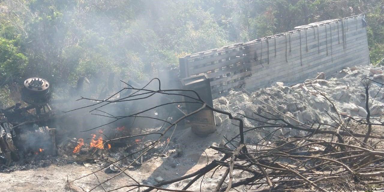 Muere calcinado tras volcadura   El Imparcial de Oaxaca