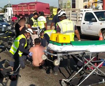 Atropellan a motociclistas en Juchitán