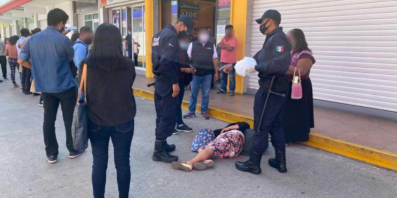 Desmayos y largas filas en último día en el INE   El Imparcial de Oaxaca