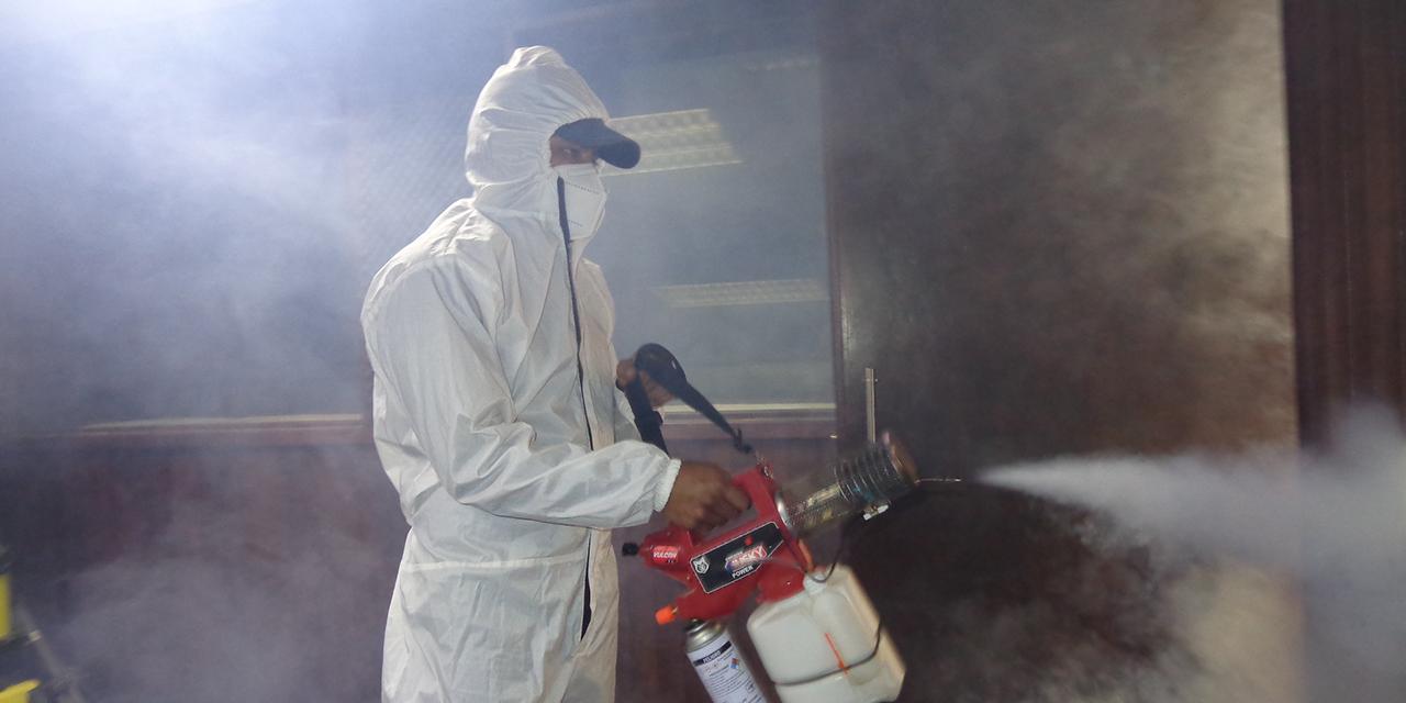 Sanitizan hogares en Tlaxiaco para hacer frente a la pandemia de Covid-19 | El Imparcial de Oaxaca