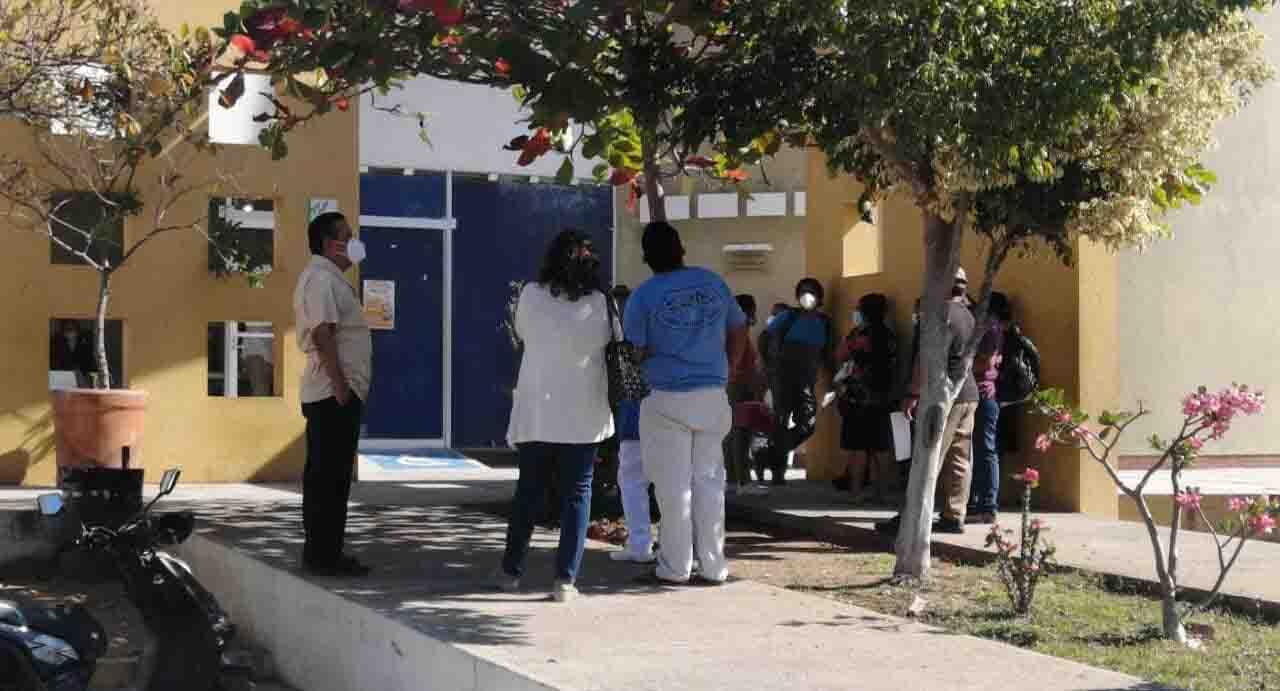 Llega segunda dosis contra Covid a Puerto Escondido | El Imparcial de Oaxaca