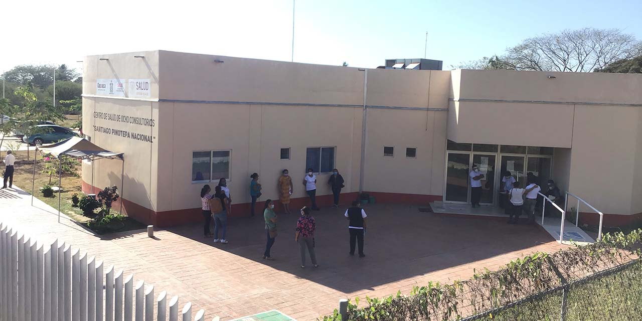 Inicia vacunación en la Costa con tres horas de retraso | El Imparcial de Oaxaca