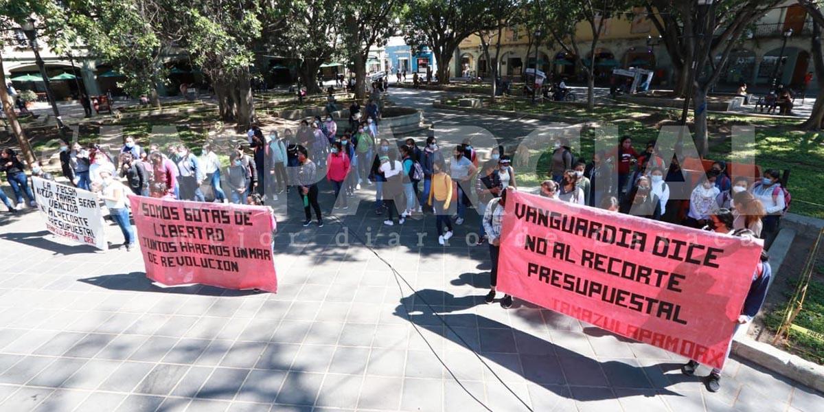 Marcha normalistas en rechazo al recorte presupuestal   El Imparcial de Oaxaca