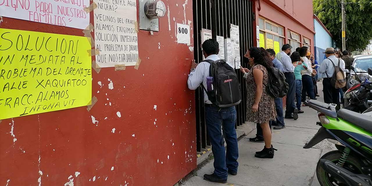 Vecinos de Álamos exigen reparar red de drenaje | El Imparcial de Oaxaca
