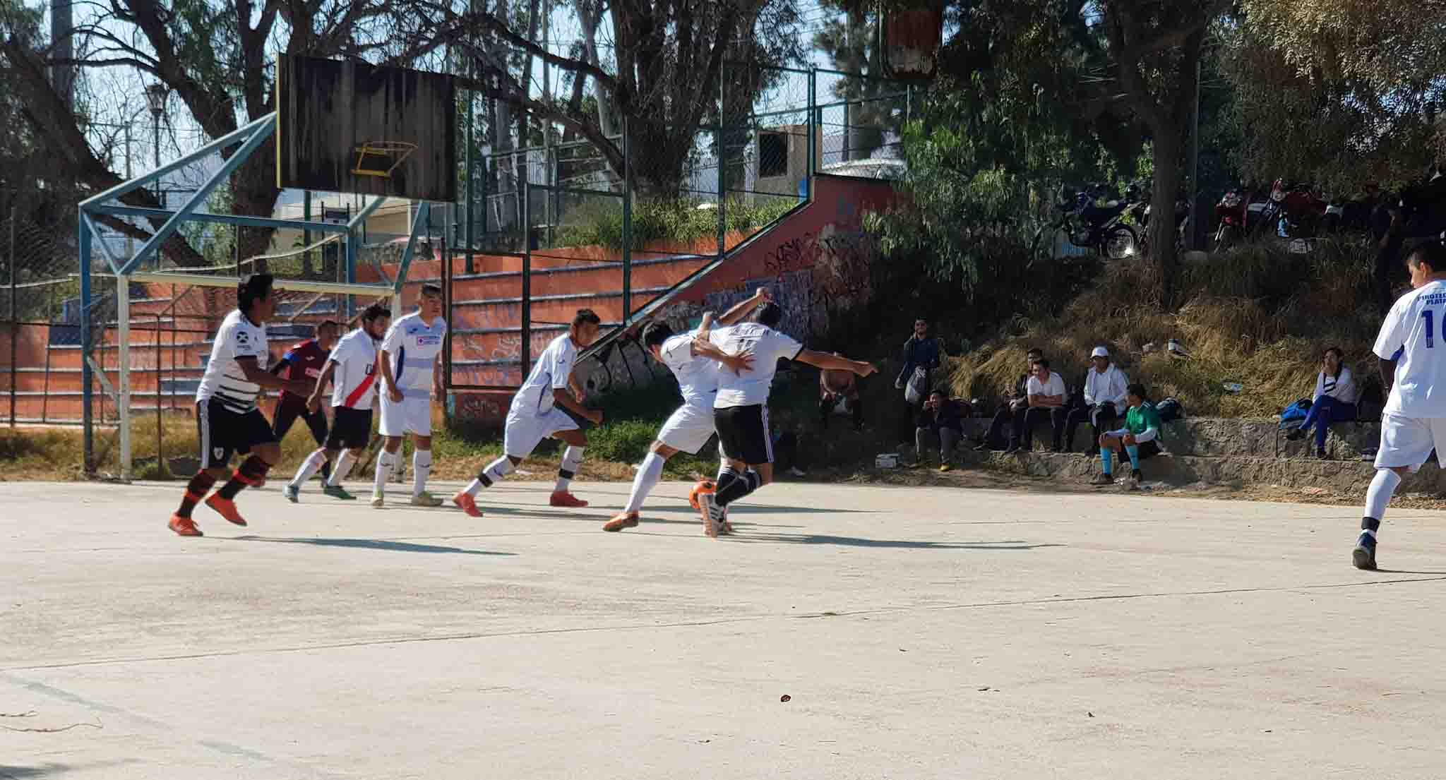 Vuelven los domingos futboleros a riberas del Atoyac   El Imparcial de Oaxaca