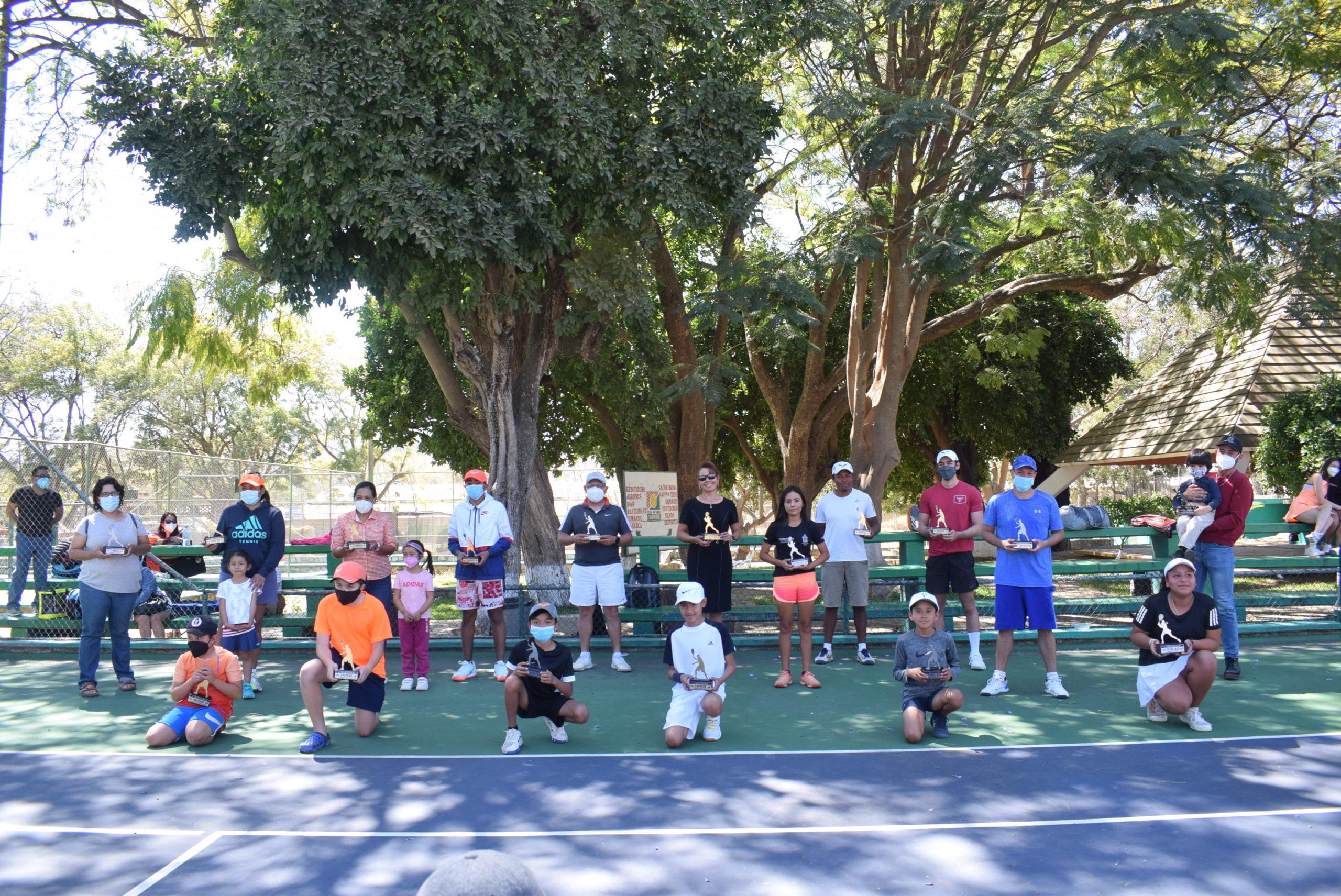 Terminan los raquetazos en deportivo Brenamiel   El Imparcial de Oaxaca