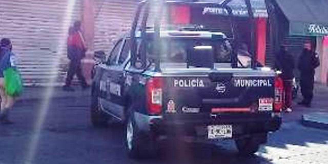 Taxista choca contra viviendas en Huajuapan de León   El Imparcial de Oaxaca
