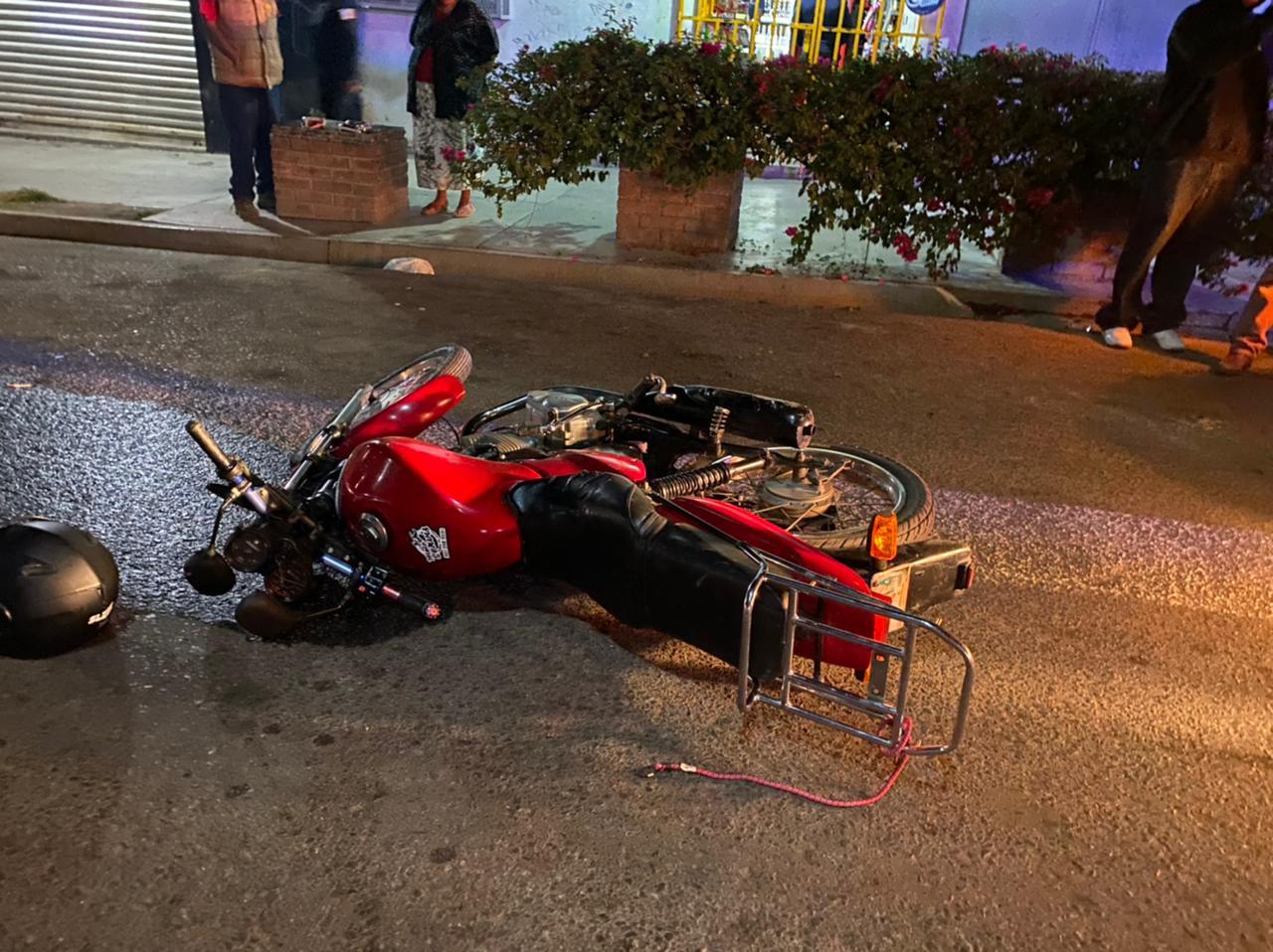 Alcoholizado se estrella contra una camioneta | El Imparcial de Oaxaca