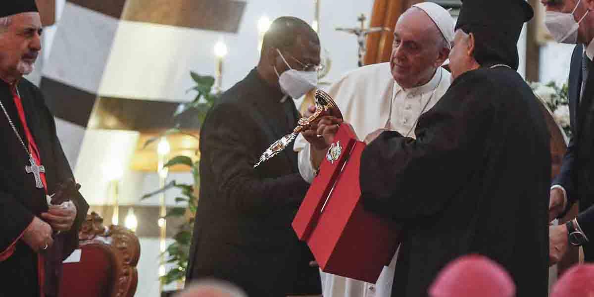 El increíble regalo que recibió el papa Francisco en su visita a Irak | El Imparcial de Oaxaca