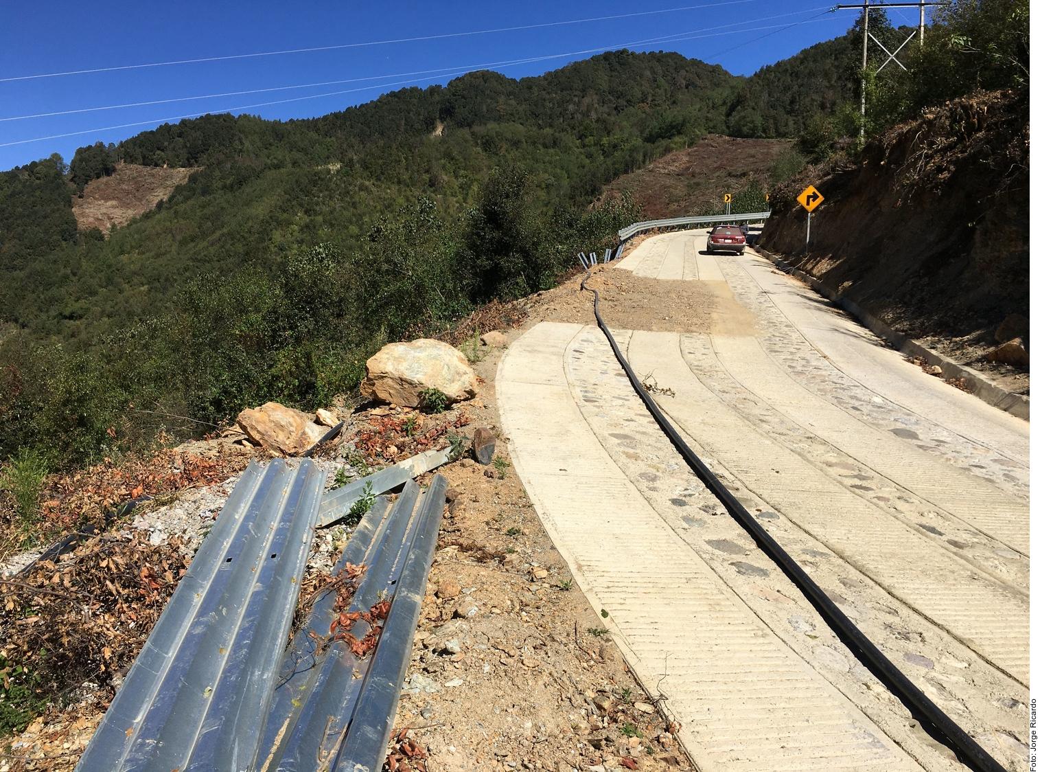 Caminos chuecos de la 4T tendrán que ser arreglados por los pueblos | El Imparcial de Oaxaca