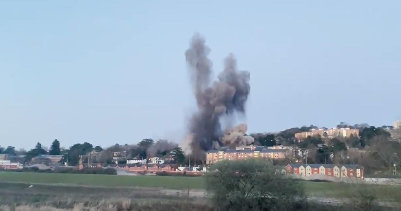 Video: Bomba de la Segunda Guerra Mundial explota | El Imparcial de Oaxaca