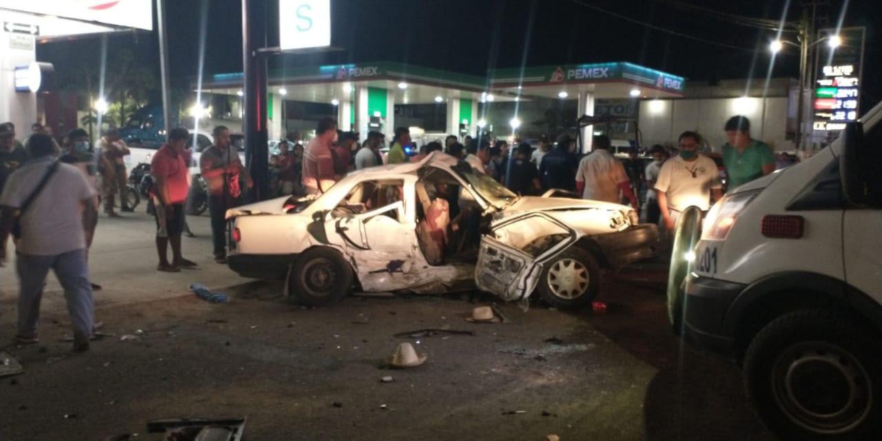 Docentes mueren en aparatoso accidente en la costa de Oaxaca | El Imparcial de Oaxaca