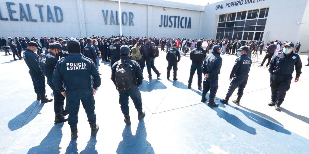 Elementos de la Policía Estatal inicia jornada de protesta   El Imparcial de Oaxaca