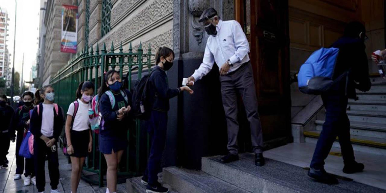 Argentina reduce actividades tres semanas por rebrote de Covid | El Imparcial de Oaxaca