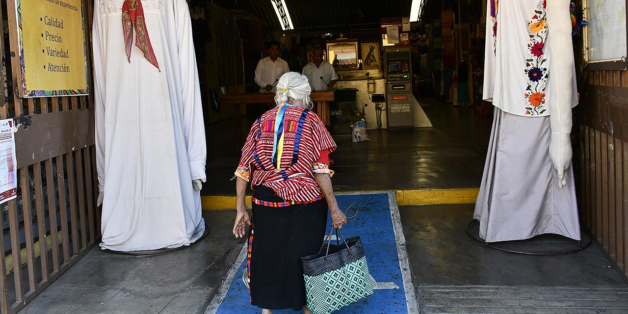 Mercado de Artesanías agoniza sin ventas ni visitantes | El Imparcial de Oaxaca