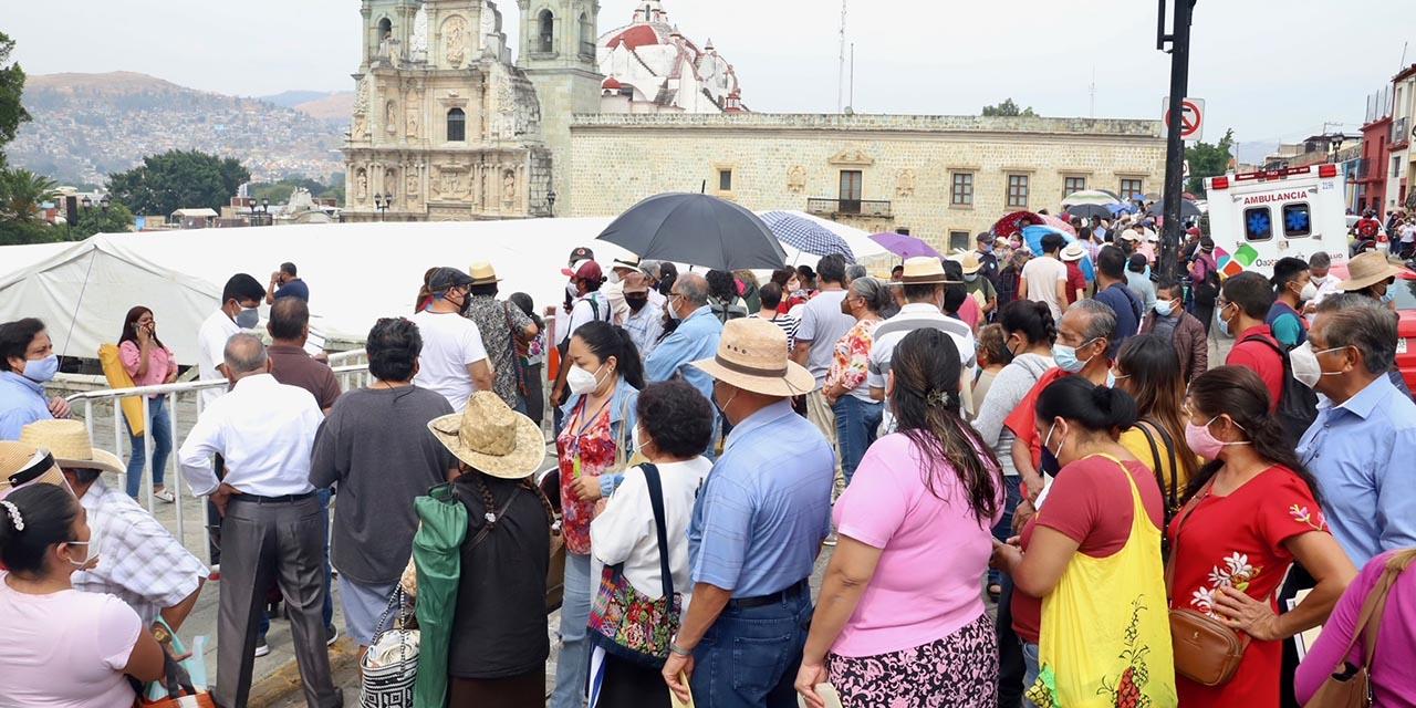 Otra jornada de vacunación, otro día de caos en la capital oaxaqueña | El Imparcial de Oaxaca