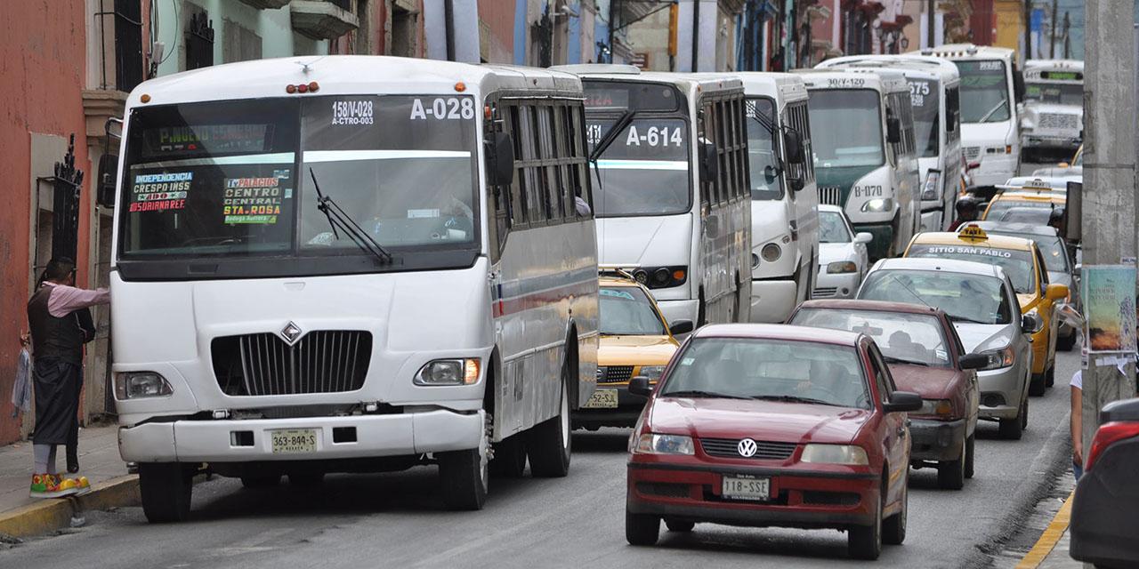 La capital oaxaqueña sufre de intensa carga vehicular   El Imparcial de Oaxaca