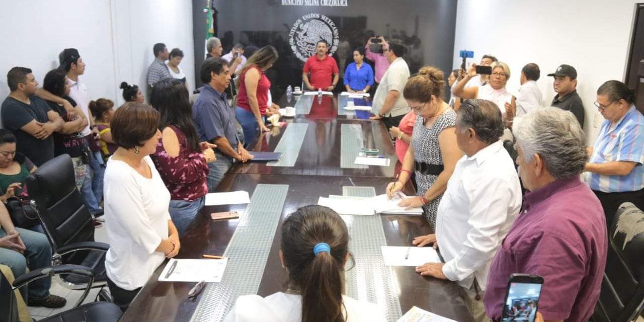 Regidores de Salina Cruz exigen a tesorera transparentar los recursos | El Imparcial de Oaxaca