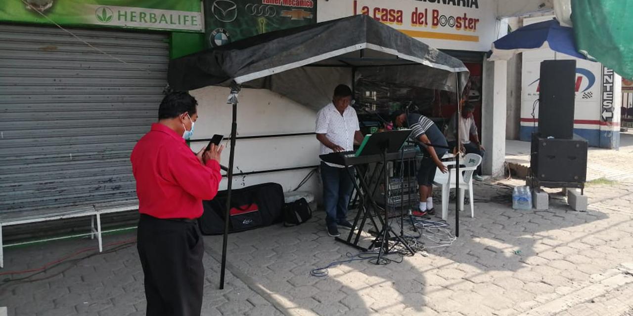 Músicos mixtecos recaudan víveres a más de un año de pandemia | El Imparcial de Oaxaca