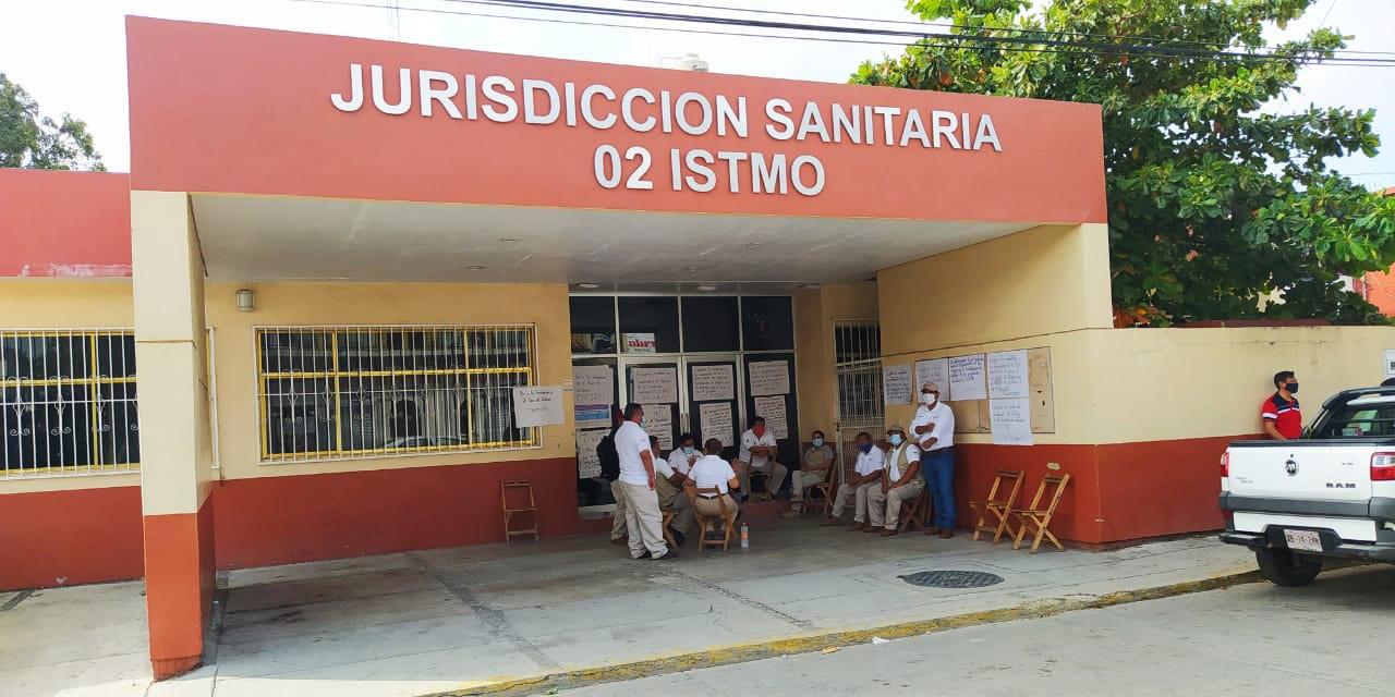 Trabajadores de salud del Istmo cumplen dos meses en asamblea permanente | El Imparcial de Oaxaca
