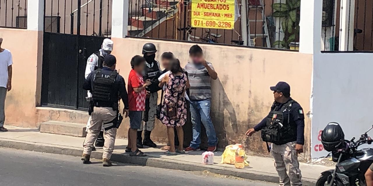 Vuelca mototaxi en Juchitán; familia queda lesionada | El Imparcial de Oaxaca