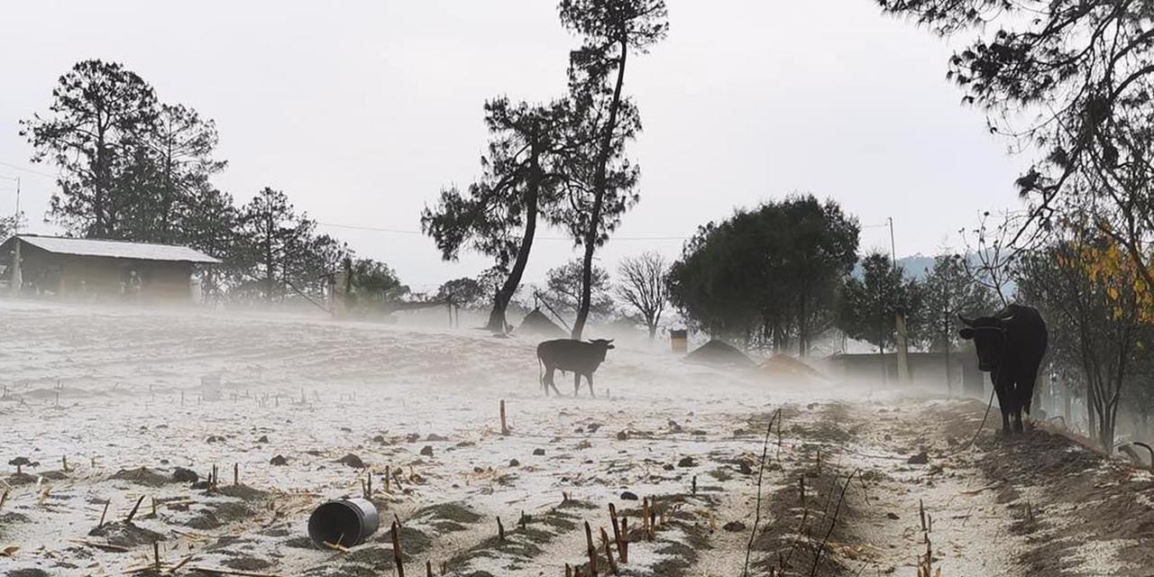 Granizada y una lluvia torrencial sorprende en Tlaxiaco | El Imparcial de Oaxaca