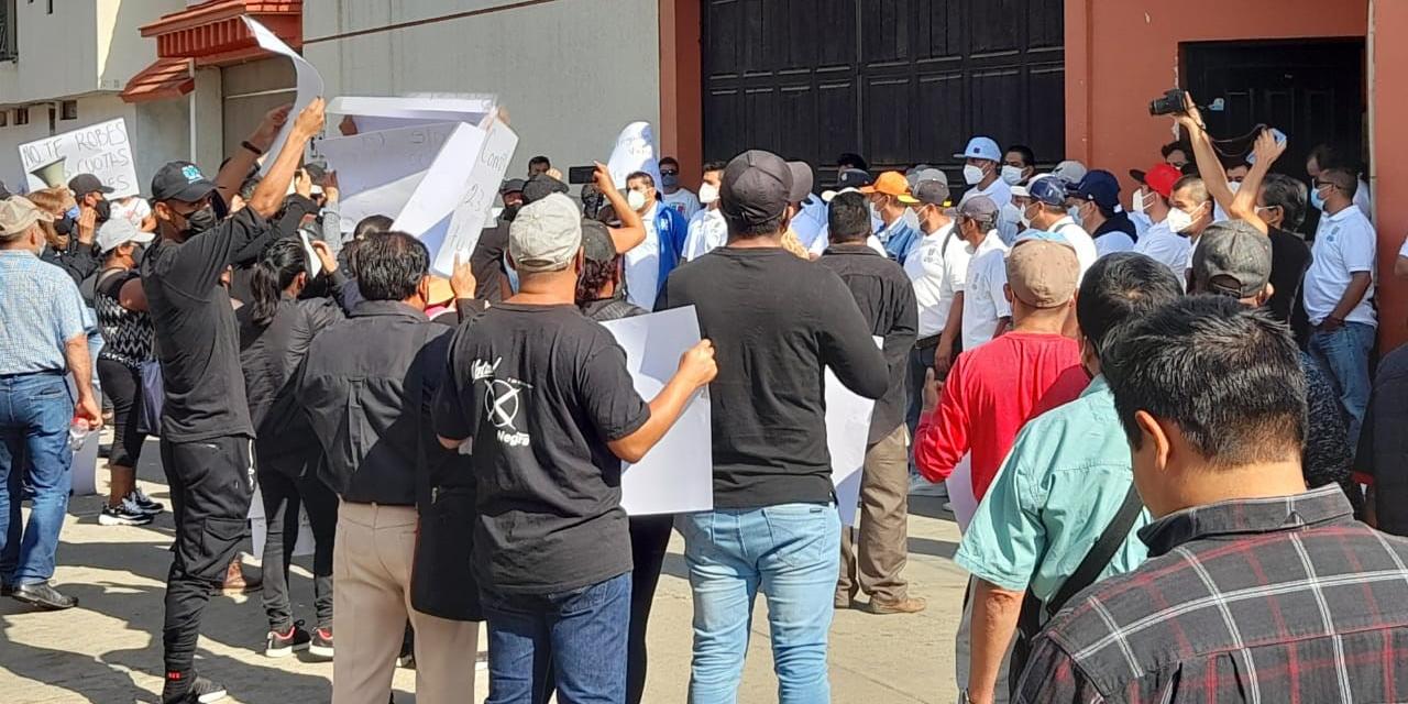 Intentan boicotear la ampliación de la dirigencia burocrática   El Imparcial de Oaxaca