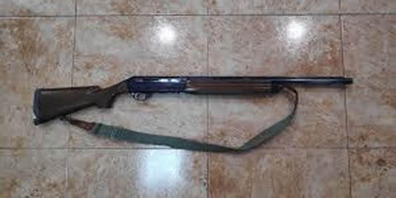 Detienen a un hombre en posesión de dos armas de fuego en carretera a Tlacolula | El Imparcial de Oaxaca