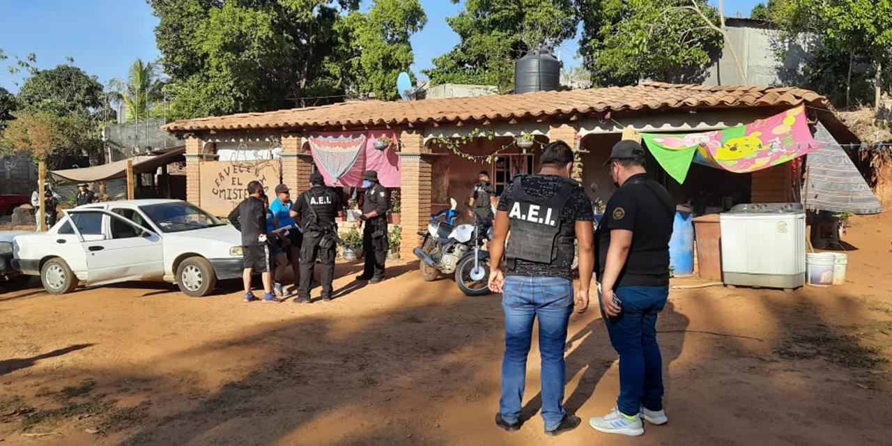 Detienen a una mujer en posesión de droga en la Costa de Oaxaca | El Imparcial de Oaxaca