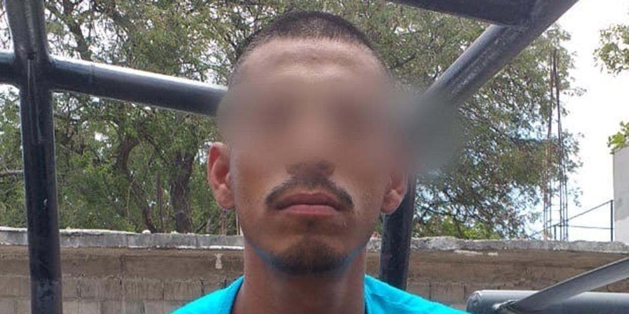 Detienen a un sujeto con pistola de juguete en Santo Domingo Petapa | El Imparcial de Oaxaca