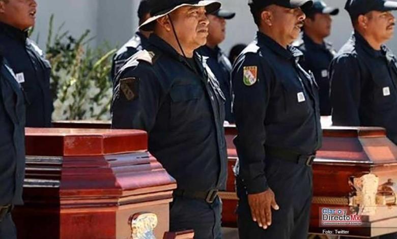 Masacran y calcinan a policías municipales